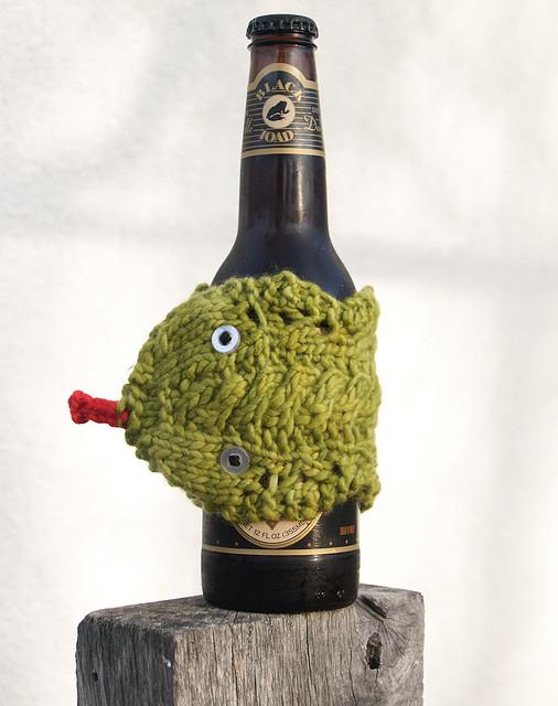 Змея - грелка для бутылки или кружки. Вязание спицами ...
