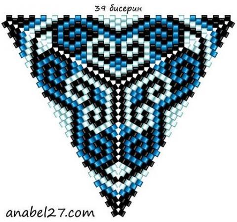 Треугольник из бисера 18.